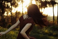- wood and grass - by Teresa Q, via Flickr