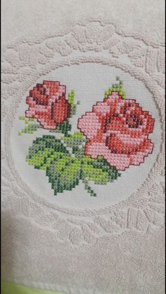 Paspas Cross Stitch Rose, Cross Stitch Borders, Cross Stitch Flowers, Cross Stitching, Cross Stitch Embroidery, Cross Stitch Patterns, Sewing, Floral, Crafts