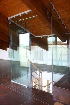 Chiusura tromba della scala in vetro