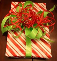 Tutorial for making beautiful bows for wrapping your presents