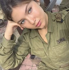 Beautiful female army soldiers the army is a great career choice for women. Stunning Army Women With & Without Uniform Looking Hot Female Army. Israeli Female Soldiers, Female Army Soldier, Idf Women, Military Women, Hot Brazilian Women, Israeli Girls, Swedish Women, Make Love, Outdoor Girls