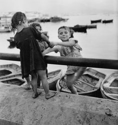 Wayne F. Miller    Children, Naples, 1944