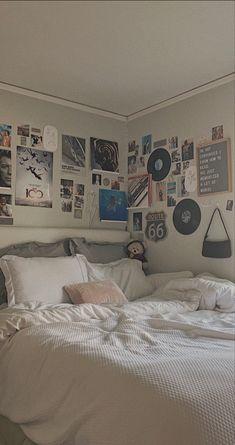 Room Design Bedroom, Room Ideas Bedroom, Home Decor Bedroom, Pinterest Room Decor, Pastel Room, Indie Room, Cute Room Decor, Pretty Room, Cozy Room