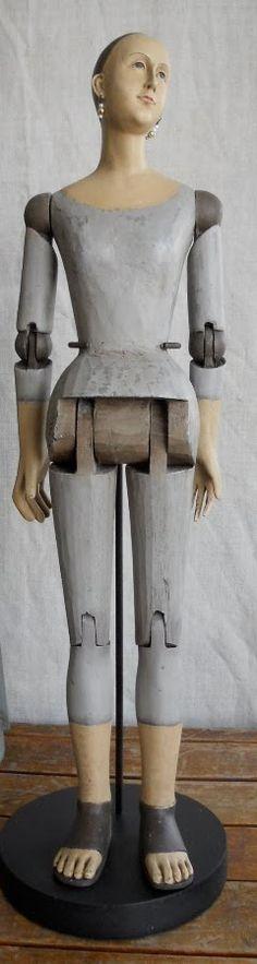 Articulating Santos Mannequin