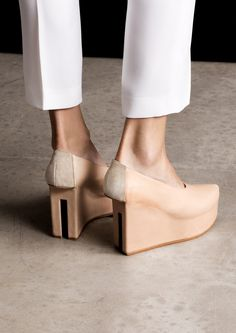 Split heel pumps | Nude | & Other Stories