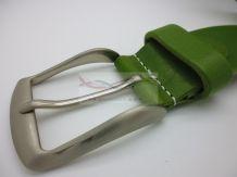 Mooi en trendy van kleur deze riem van ons nieuwe merk in de webshop. Roncato is een Italiaans bedrijf die riemen en andere producten van leer maken. Deze riem is erg trendy en mooi, de kwaliteit staat op hoog niveau. De groene kleur met een mooie afwerking van witte stiksels maakt het tot een mooi geheel.     Merk: Roncato  Materiaal: Leer  Meteen shoppen via link: http://www.romasales.nl/accessoires/riemen/italiaanse-riem-groen  ROMA SALES, LA MODA STILE ITALIANO