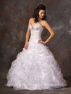 cinderella wedding dress I love this. And I hate dresses.
