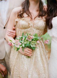 PHOTO BY ELIZABETH MESSINA/FLOWERS AMY OSABA