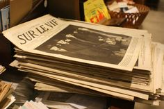 #magazines #vintage Chez Breizh Debarras, brocante dans les Cotes d'Armor Magazines, Cover, Books, Vintage, Journals, Libros, Book, Vintage Comics, Book Illustrations