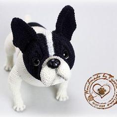 Связан по описанию Наталии Загребиной.  #handmade #cute #toys #вязание #вязанаяигрушка #интересное #ручнаяработа #рукоделие #игрушки #собачка #пёс #породафранцузскийбульдог #французик #dog #bebyanimals #puppy #frenchbulldog