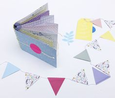 DIY little envelope-book, made with the mini envelopes in the Mix & Match for Paper Lovers, full of 65 paper goodies.