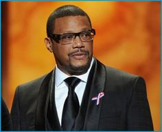 Judge Greg Mathis and Ellen DeGeneres are teaming up for a scripted TV comedy series based on the life of Mathis. TV and DeGeneres' company, A Very Good Production. Comedy Series, Comedy Tv, Black Sitcoms, My Wife And Kids, Mirrored Sunglasses, Mens Sunglasses, The Cosby Show, American Series, Clint Eastwood