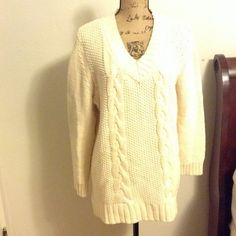 Susan Graver Cream  Sweater This is a Susan Graver sweater . It's a large but fits like XL if you like over sized sweaters it's good for you. The tag is cut off the sweater Susan Graver Sweaters V-Necks