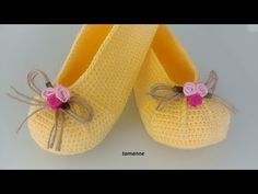 A Different Ballerina Model - knitting Bobble Stitch, Arm Knitting, Knitting Socks, Knitted Slippers, Crochet Shoes, Baby Boots, Sock Yarn, Knitting For Beginners, Applique Designs
