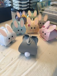Origami box for kids easter bunny 60 ideas for 2019 Easter Party, Easter Gift, Easter Bunny, Easter Treats, Happy Easter, Bunny Crafts, Easter Crafts For Kids, Easter Projects, Diy Gift Box