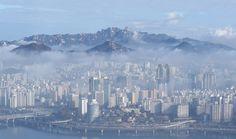 Fog over Seoul seen from 63 Building Seoul South Korea [OS] [1600944]
