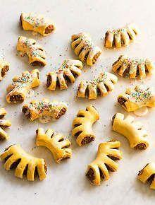 Christmas recipes and Christmas food : SBS Food Italian Fig Cookies, Italian Desserts, Italian Recipes, Italian Pastries, Italian Foods, Shapes Biscuits, Sbs Food, Dried Figs, Lebanese Recipes