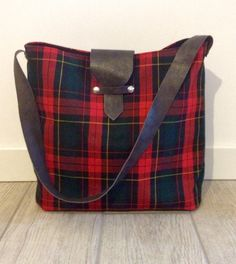 Tartan and leather bag. Hand Made. https://www.facebook.com/Claire-bags-and-more-1073212409356478/