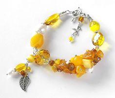 """Купить Браслет """"Осенний поцелуй"""" с янтарем и ониксом. - желтый, браслет с подвесками, осенний браслет, осень"""