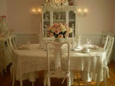 Hospitable enlisted shabby chic dining room ideas try this Romantic Shabby Chic, Romantic Cottage, Romantic Homes, Romantic Kitchen, Romantic Table, Fairytale Cottage, Shabby Cottage, Estilo Shabby Chic, Shabby Chic Style