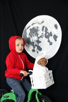 ELLIOTT + E.T. COSTUME