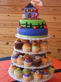 halloween cake by beenzee, via Flickr