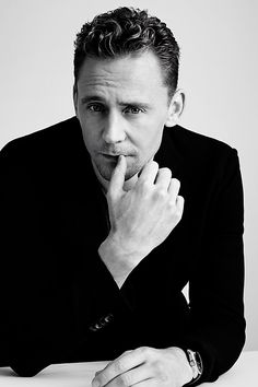Tom Hiddleston by Jens Langkjaer for In Style Magazine (TIFF 2015). Full size image: http://i.imgbox.com/FarAez8c.jpg Source: https://www.instagram.com/p/7jDoqIzA4K/