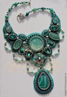"""Collar """"Esmeralda"""" ( version 2). Hecho a mano."""