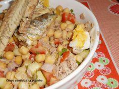 Cinco sentidos na cozinha: Salada de grão com tomate, pepino, atum ,filetes d...