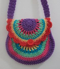 (Pattern by Vendula Maderska) Available in different colours on website or FB page. Bag Crochet, Mode Crochet, Crochet Handbags, Crochet Purses, Crochet Gifts, Crochet Toys, Crochet Baby, Knitting Patterns, Crochet Patterns