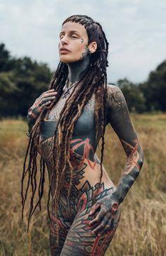 Hot Tattoo Girls, Sexy Tattoos For Girls, Sexy Hot Girls, Inked Girls, Tattooed Girls, Hot Tattoos, Girl Tattoos, Body Art Tattoos, Dreadlocks Girl