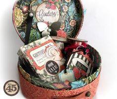 The inside of Alberto's altered Couture hat box. Wow! #graphic45