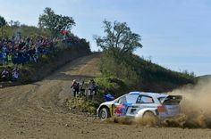 El Volkswagen polo R logra su tercera victoria viniendo de atrás del grupo.