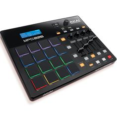 The AKAI MPD226 is the smallest pad controller of the all-new MPD2-series of AKAIs pad controllers. We have tested it in depth and are amazed!