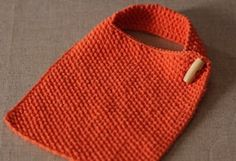 Great Totally Free knitting for kids baby bibs Style knitting baby bib patterns… Knitting For Kids, Easy Knitting, Knitting Patterns Free, Knitting Yarn, Knitting Projects, Crochet Patterns, Crochet Stitches, Quilt Patterns, Free Pattern