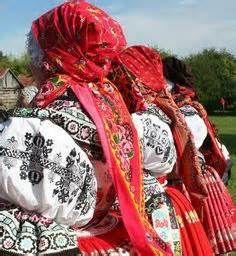 Moravské Kroje - Podluží - Yahoo Image Search Results Karel Gott, Costumes Around The World, Red Boots, Textile Patterns, Textiles, Folk Costume, Vera Bradley Backpack, Beautiful Patterns, Traditional Dresses