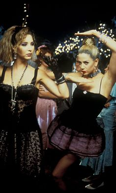 """Michele Weinberger and Romy White/ """"Romy and Michele's High School Reunion"""" (1997) #projectinspired #prom"""