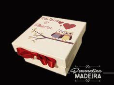 Caixinha Personalizada para casamento, use para colocar trufas, pão-de-mel,bem-casados,alfajor,ou o que desejar! Personaliza Madeira www.personalizamadeira.com.br