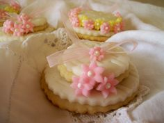 Easter bonnet biscuits