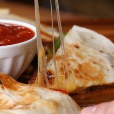 Simple recipe for making tasty steak fajita quesadillas. Mexican Food Recipes, Beef Recipes, Cooking Recipes, Recipes Dinner, Indian Recipes, Pumpkin Recipes, Cake Recipes, Chicken Recipes, Tasty Videos