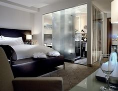 The Westin Leipzig—Guestroom by Westin Hotels and Resorts, via Flickr