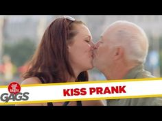How to Kiss a Stranger Prank - Funny Prank Videos - Joke King Funny Friend Pictures, New Funny Pics, Funny Love, Funny People Quotes, Funny Quotes About Life, Funny Prank Videos, Funny Pranks, Funny Girl Musical, Funny Comics For Kids