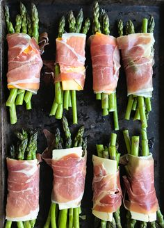 Prosciutto Wrapped Asparagus You Want To Make This Spring - Rainbow Scrumptious. All that you must do is wrap a small bundle of delicate asparagus with a small slice of provolone cheese and prosciutto, Asperges Prosciutto, Prosciutto Wrapped Asparagus, Appetizer Recipes, Keto Recipes, Cooking Recipes, Healthy Recipes, Delicious Appetizers, Side Dish Recipes, Vegetable Recipes