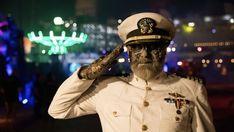 In 2008 verscheen er in Time-magazine een artikel over de 10 meest griezelige plaatsen ter ... Lees meer Queen Mary Ship, Scary Mary, Dark Harbor, Admission Ticket, 10 Year Anniversary, Halloween Season, World Famous, Long Beach, 10 Years