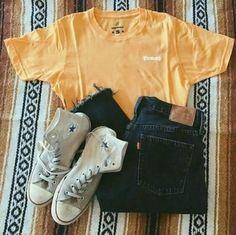 Yellow honey tee Teenage Outfits, Teen Fashion Outfits, Mode Outfits, Child Fashion, College Outfits, Freshman High School Outfits, Hipster School Outfits, Back To School Outfits For Teens, Concert Outfits