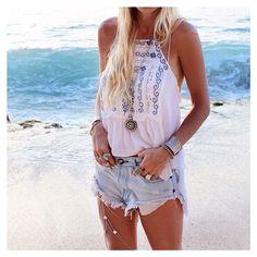 gypsylovinlight :fraserbayebali dressed in @freepeople + @easternsoul + @sallyrdesigns_embella jewels