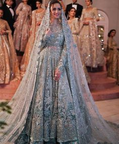Latest Bridal Lehenga, Latest Bridal Dresses, Bridal Outfits, Walima Dress, Pakistani Bridal Dresses, Beautiful Pakistani Dresses, Bridal Dress Design, Indian Salwar Kameez, Sharara