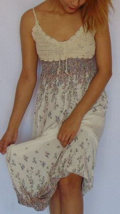 Long flowered white women's dress with shoulder straps and