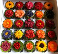 Wow! Cupcake art (Arti Cakes on facebook)