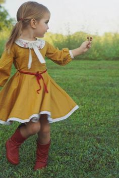 Awesome 61 Cute Christmas Dress Ideas Perfect for Toddler Girls. More at http://aksahinjewelry.com/2017/11/04/61-cute-christmas-dress-ideas-perfect-toddler-girls/